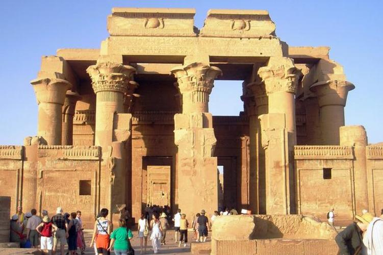day-trip-to-luxor-from-aswan-passing-by-kom-ombo-and-edfu-temples-in-aswan-488866_751x500